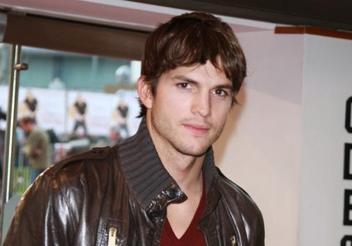"""Ashton Kutcher ersetzt in der TV-Sendung """"Two and a Half Men"""" den gekündigten Charlie Sheen"""