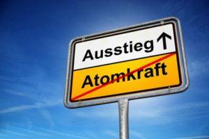 Experten befürchten, dass der schnelle Atomausstieg die Wirtschaft gefährden könnte.