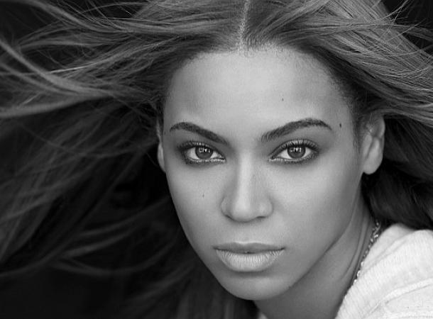Rapper Kanye West bringt mit seinem Song Runaway Beyonce zum Tränen.