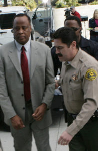 Conrad Murray wurde zu einer Haftstrafe verurteilt
