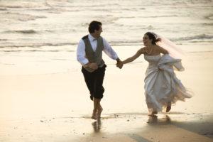 Das Heiratsalter von Brautpaaren steigt an.