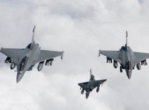 NATO unterzieht Libyen mit Luftangriffen