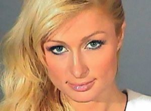 Paris Hilton hält sich fit mit Pilates
