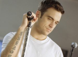 Freude beim Popstar Robbie Williams: Der 37-jährige hat abgenommen.