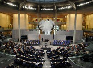 Euro-Krise beschäftigt den Bundestag auch in der Sommerpause.