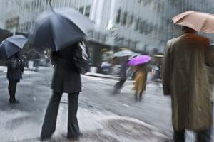 Unwetterwarnung für Deutschland: Sturm und Dauerregen erwartet.